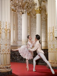 The Pittsburgh Ballet Theatre's Cinderella.Maribel Modrono and Nurlan Abougaliev. photo: Ric Evans.