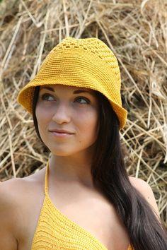Sombrero de verano hecho con crochet