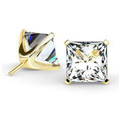 Les boucles d'oreilles diamants princesses 4 griffes sont un grand classique de la Joaillerie Française. Les diamants sont montés sur des griffes légères et sécurisées permettant aux diamants de briller de tout leur éclat. Notre mode de fabrication dans le plus pur respect de la tradition permet d'avoir le bijou bien collé à l'oreille de manière à ce qu'il ne tombe pas. Le système de fermoir ALPA (fabriqué et disponible uniquement en France) de haute technicité garanti une sécurité… Princesses, Respect, Cufflinks, France, Accessories, Budget, Everything, Lobster Clasp, Ears
