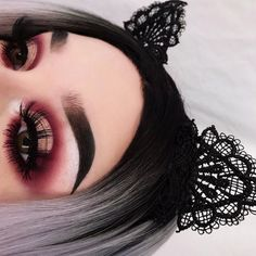 "690 Likes, 18 Comments - Amber (@xdeceiver) on Instagram: ""nothing but abh products for this look (except lashes oops) ✨ - eyeshadow: @anastasiabeverlyhills…"""