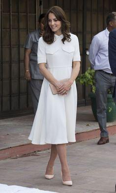 Kate Middleton No Pedicure Photo — Duchess of Cambridge Photos