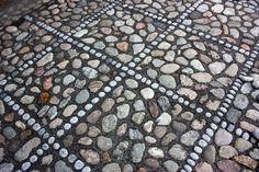 Kullersten Garden Stones, Garden Paths, Lawn And Garden, Garden Art, Pebble Floor, Pebble Mosaic, Stone Mosaic, Stone Path, Brick And Stone
