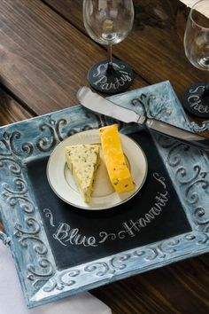 Chalk can be used to identify cheese at a table or on a tray-wherever cheese is served. It& totally functional, but why not make it beautiful with these tips? Magnetic Paint, Chalk Paint, Home Crafts, Diy Crafts, Christmas Entertaining, Diy Chalkboard, Wine Cheese, Online Craft Store, Diy Christmas Gifts