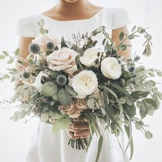 20 Elegant Neutral Wedding Bouquets Ideas for 2020 Trends - EmmaLovesWeddings - Wedding Colors Wedding Ceremony, Our Wedding, Dream Wedding, Wedding Venues, Luxury Wedding, Rustic Wedding, Destination Wedding, Wedding Greenery, Wedding Week
