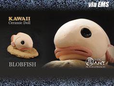 Etsy のCeramic Mini Blobfish, Kawaii Hand-built Ceramic Art, Desk Accessories(ショップ名:ShinobuArakiArt)