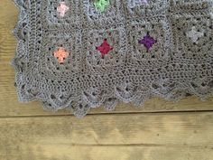 Color Pop Granny Blanket tutorial with lots of pictures by Annoos Crochet World. Beautiful border.