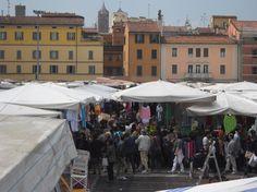 Bologna, La Piazzola, mercato settimanale