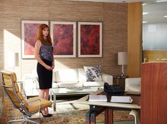 Sarah Rafferty as Donna Paulsen in Suits, 'Fork In The Road.'