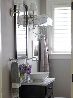 TOALLERO Small Bathroom Remodeling Use these space-stretching, storage-savvy remodeling strategies to make the most of a small bathroom. Bad Inspiration, Bathroom Inspiration, Bathroom Towel Storage, Towel Shelf, Towel Racks, Towel Holders, Bathroom Renos, Bathroom Remodeling, Bathroom Ideas
