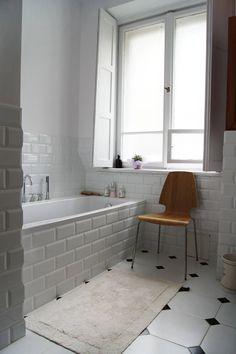Mieszkanie w kamienicy / Warszawa, Żoliborz : Skandynawska łazienka od ZAZA studio