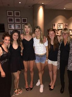 Taylor Swift wearing Miu Miu Peep Toe Pumps and Talula Pierrepont Romper Style Taylor Swift, Taylor Alison Swift, The 1989 World Tour, Ethel Kennedy, Live Taylor, Taylor Swift Pictures, Tall Women, Short Dresses, Celebs