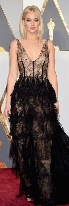 Jennifer Lawrence at the 2016 Oscars | 2/28/16.