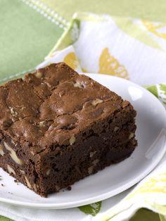 Chocolate Walnut Brownies – Desserts World Cake Mix Brownies, Chewy Brownies, Homemade Brownies, Best Brownies, Homemade Cake Recipes, Chocolate Brownies, Homemade Chocolate, Chocolate Muffins, Cakey Brownie Recipe