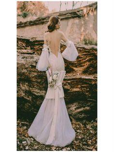 Απολαύστε την συλλογή UNIQUE ΝΥΦΙΚΑ by Designer Lewaa. Ζήστε την μοναδική εμπειρία της υψηλής ραπτικής την πιο σημαντική μέρα της ζωής σας. #Νυφικά #AtelierTsourani #DesignerLewaa #ΜοναδικάΝυφικά #ΧειροποίηταΝυφικά #ΜοντέρναΝυφικά #WeddingDress Formal Dresses, Design, Fashion, Atelier, Tea Length Formal Dresses, Moda, Formal Gowns, Fashion Styles