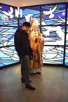 With Pope .. #Traveller #Berlin #Germany #MadameTussauds #EuroTrip