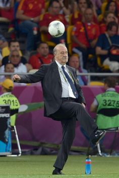 Head Coach Vicente del Bosque of Spain