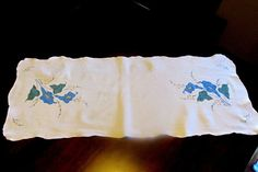 Vintage Table Runner  White Blue Cali Lilies