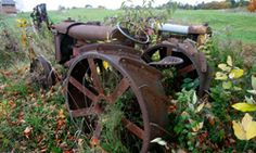 Google Image Result for http://static.ddmcdn.com/gif/5-awesome-antique-tractors-1.jpg