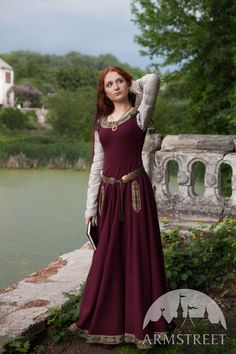 "Noble  Medieval Woolen Dress ""Green Sleeves"" - Armstreet Apparel"