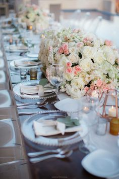 Oversized florals for table