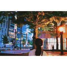 Instagram【yuikaaa_k】さんの写真をピンしています。 《. .  #札幌#交差点#被写体#雨上がり#北海道#どさんこ#キラキラ#ファインダー越しの私の世界#カメラ女子#カメラ好きな人と繋がりたい#写真好きな人と繋がりたい#写真撮ってる人と繋がりたい#レンズ#マクロ#sonya6000#人#夜景#nightview#girl#女の子》