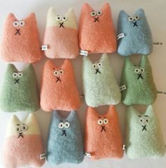 Pair of Mix and Match Lavender Cats, lavender sachet Sewing Toys, Sewing Crafts, Sewing Projects, Lavender Bags, Lavender Sachets, Fabric Toys, Cat Crafts, Felt Toys, Felt Ornaments