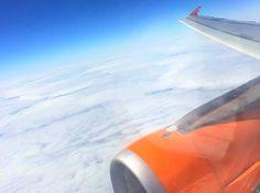 Vanaf Nederland kan je vliegen naar Berlijn vanaf verschillende luchthavens en de prijzen van een vliegticket variëren sterk.