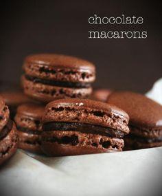 Tuplasuklaa macarons // Double Chocolate Macarons Food & Style Emma Iivanainen, Painted By Cakes Photo Emma Iivanainen www.maku.fi