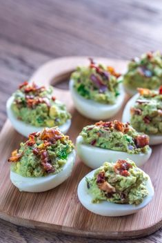 Food Network Recipes 54676 Cook hard-boiled or soft-boiled eggs with a little guacamole and grilled bacon chips, guaranteed success for your Easter menu. More recipes on /// Guacamole Deviled Eggs, Sriracha Deviled Eggs, Avocado Deviled Eggs, Devilled Eggs Recipe Best, Deviled Eggs Recipe, Honey Recipes, Egg Recipes, Bacon Appetizers, Appetizer Recipes
