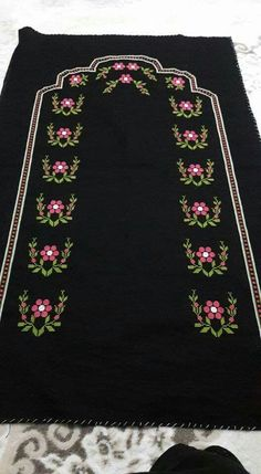 This post was discovered by raziye. Discover (and save!) your own Posts on Unirazi. Easy Cross Stitch Patterns, Simple Cross Stitch, Easy Crochet Patterns, Baby Knitting Patterns, Hand Embroidery, Embroidery Designs, Teapot Cover, Prayer Rug, Yarn Shop