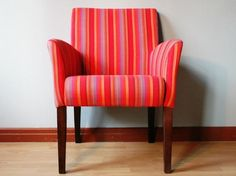 Rot, rot, rot sind alle meine Stühle...