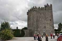 Tyrrellspass Castle