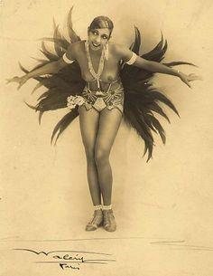 Joséphine Baker at La Revue des Revues, 1927 (photo by Walery).