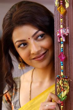 Kajal Agarwal super gorgeous in yellow saree - The Mobile Wallpaper South Indian Actress Hot, Indian Actress Hot Pics, Indian Actresses, Cute Girl Poses, Cute Girl Pic, Beautiful Girl Indian, Most Beautiful Indian Actress, Beauty Full Girl, Beauty Women