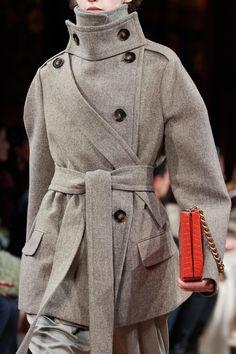 Stella McCartney Fall 2020 Ready-to-Wear Fashion Show | Vogue Stella Mccartney, Runway Fashion, Boho Fashion, Fashion Show, Couture Fashion, Paris Fashion, Vogue Paris, Winter Wear, Autumn Winter Fashion