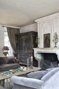 My French Country Home, French Living - Sharon Santoni. Love the textures, shades of colour, everything. French Interior, French Decor, French Country Decorating, Interior Design, Swedish Decor, My French Country Home, French Country Living Room, French Cottage, Country Homes