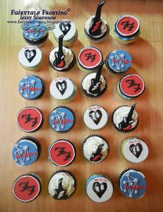 Fairytale Frosting: Foo Fighter Cupcakes  OMG these are so cool, wish i had this for my  b-day