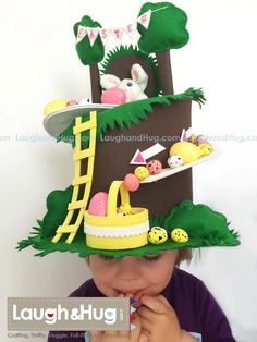 Easter hat for toddler – Fasnacht – Primavera Boys Easter Hat, Easter Hat Parade, Easter Bunny Eggs, Easter Bonnets, Crazy Hat Day, Crazy Hats, Diy Projects For School, Craft Projects, Easter Crafts