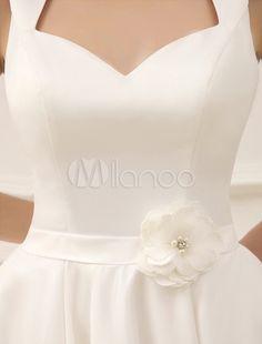 Robe de mariée A-ligne en voile de tulle ivoire avec perles