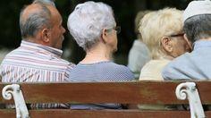 O número de idosos no mercado de trabalho cresce 58% em cinco anos no Brasil
