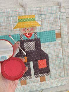Bee In My Bonnet: Farm Girl Vintage 2 Quilt Along - Farm Girl Friday's - Week Fifteen! Farm Quilt Patterns, Modern Quilt Patterns, Paper Piecing Patterns, Modern Quilting, Cute Quilts, Mini Quilts, Farm Animal Quilt, Charm Pack Quilts, Summer Quilts