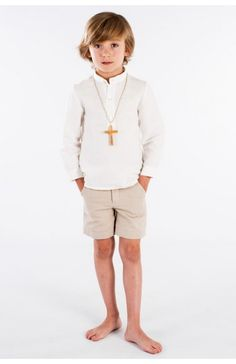 Boys First Communion Outfit, Short Outfits, Boy Outfits, Barefoot Kids, Lovely Creatures, Crucifix, Beautiful Children, Shorts, People
