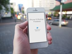 Realistic iPhone 5 Mockups (PSD)