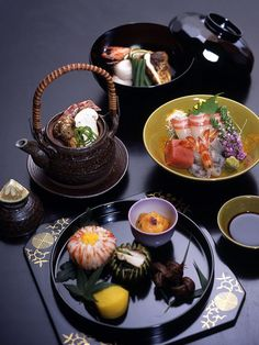 Japanese food: delicious taste and it looks so beautiful too
