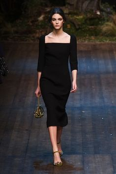 Pin for Later: 50 Fashion Week Looks That Prove the Catwalk Is Wearable Dolce & Gabbana Autumn/Winter 2014 Fashion Week, Paris Fashion, Runway Fashion, Fashion Show, Womens Fashion, 50 Fashion, Elegant Dresses, Beautiful Dresses, Ideias Fashion