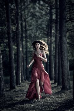 Fairy tale little red in fashion form. Elle Wood: Fashion