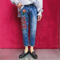 36.62$  Buy now - http://aliplb.shopchina.info/1/go.php?t=32818023110 - 2017 New fashion Men's snake printed jeans men slim straight Nine jeans high quality designer pants nightclubs singers   #bestbuy