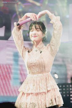 Daily Pictures, Iu Fashion, K Idol, Korean Artist, Korean Women, Queen, Korean Singer, Kpop Girls, My Girl