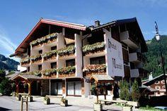 Haute-Savoie, l'Hôtel Macchi est situé à Châtel. Ce magnifique chalet de montagne vous accueille au cœur de la vallée d'Abondance. Vous apprécierez son très beau Spa dans un lieu propice à la détente et aux activités sportives.