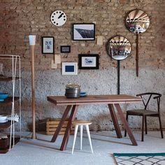 Tavolo allungabile in legno di noce Achille: eleganza, bellezza e design. #DesignTable #Design